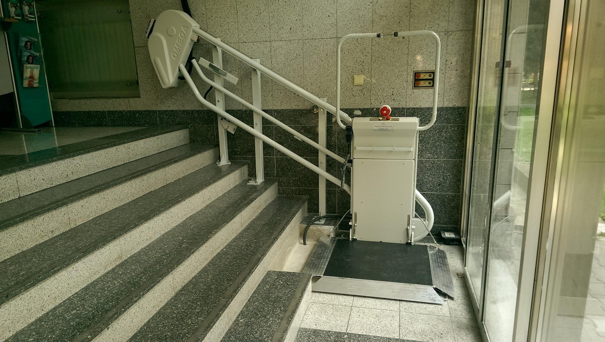 Dodanie a montáž schodiskovej plošiny