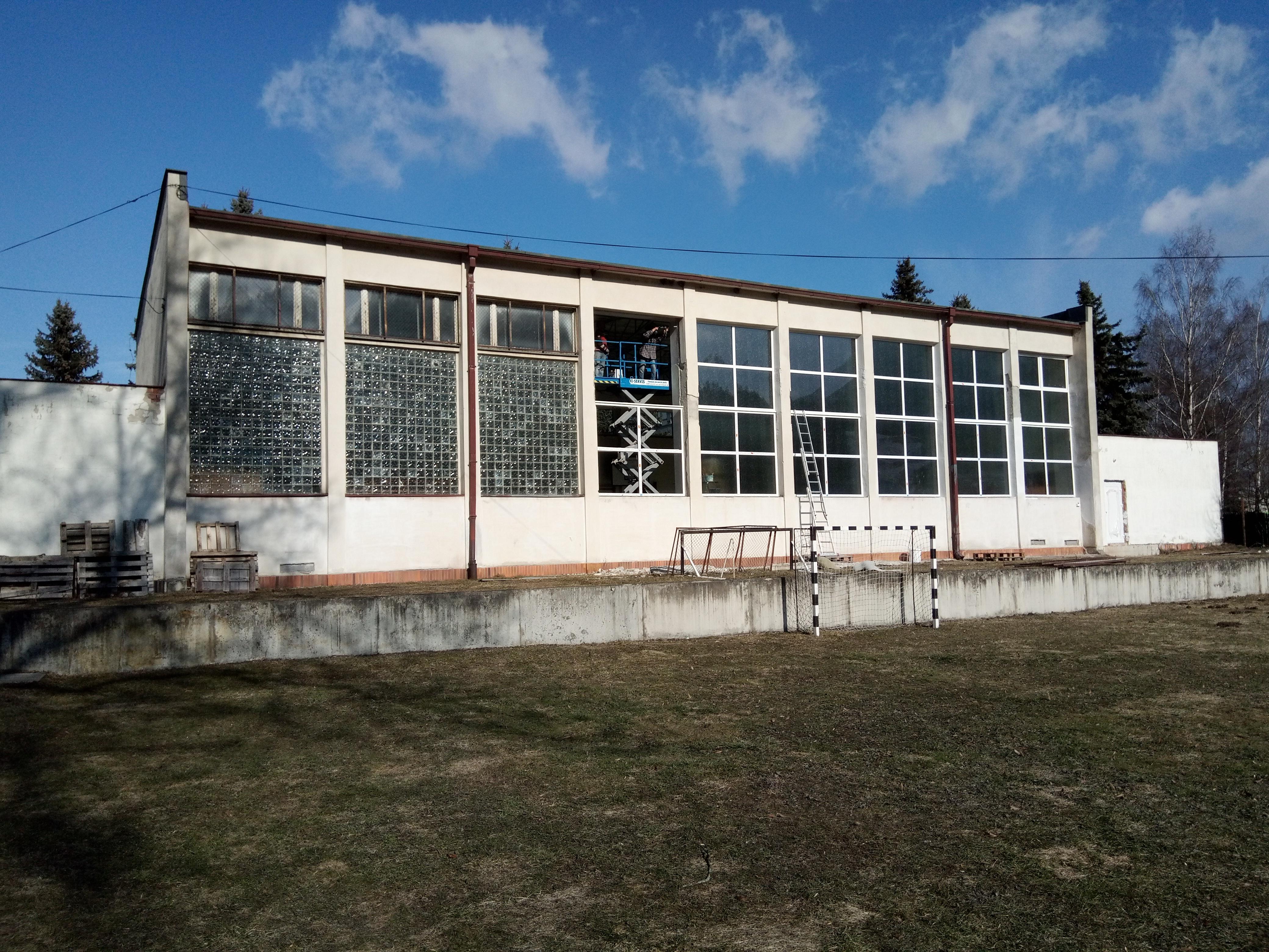 Výmena okien a dverí na budove telocvične