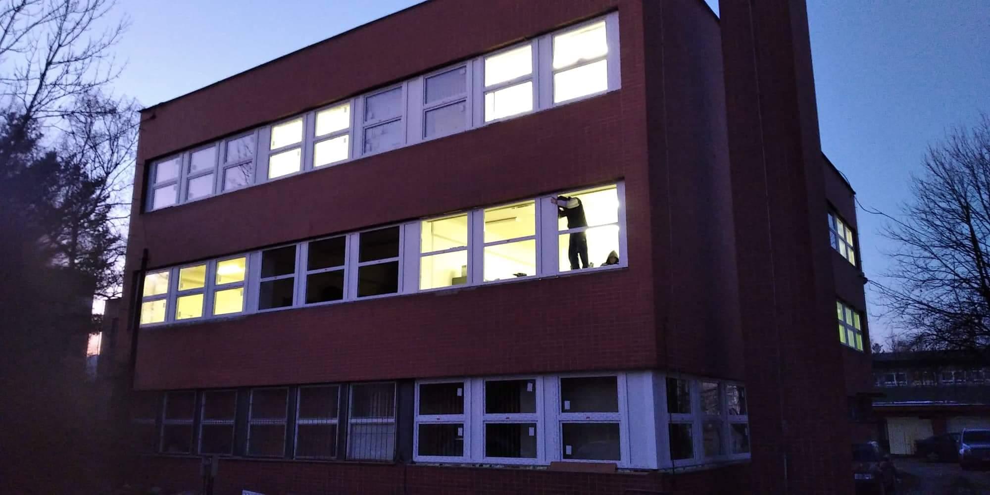 Výmena okien na administratívnej budove polície v Žiline