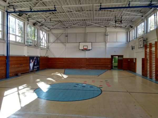 Výmena okien na veľkej telocvični ZŠ Komenského